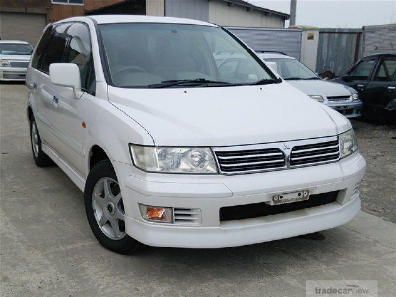 Mitsubishi Chariot Grandis 2000    Japanese Used Car